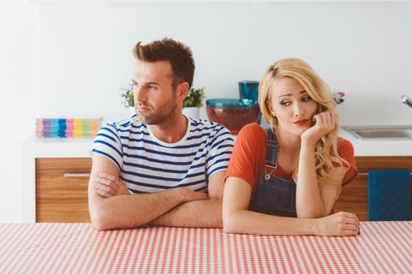 27 признаков поверхностных отношений