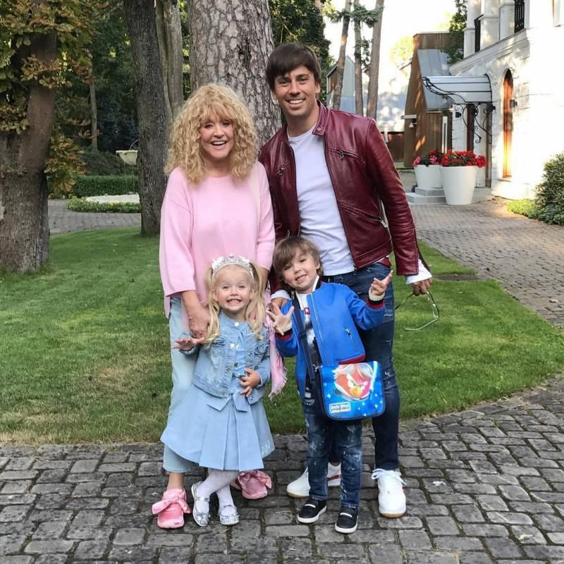 Пугачева ради мужа и детей превратилась в принцессу!